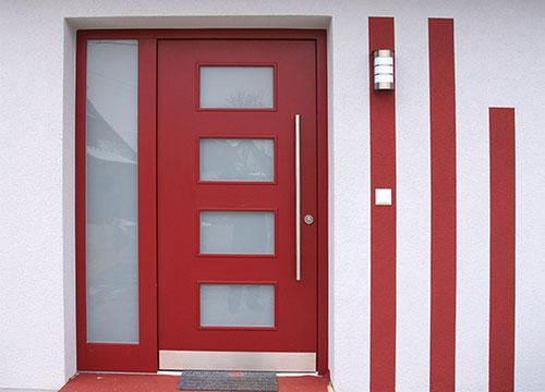 Haustüren in Schreinerqualtiät eingebaut
