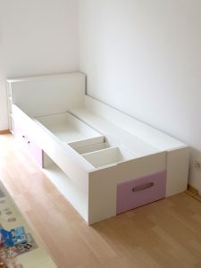 Kinderbett mit viel Stauraum