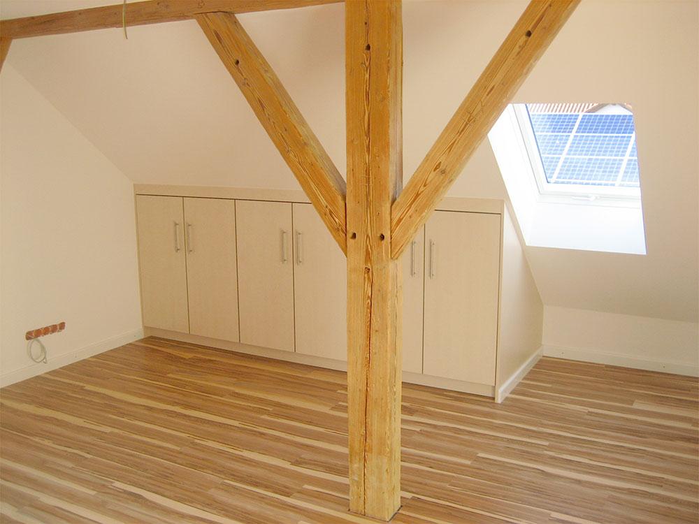 Bodenbelag, Einbauschränke, Fenstereinbau