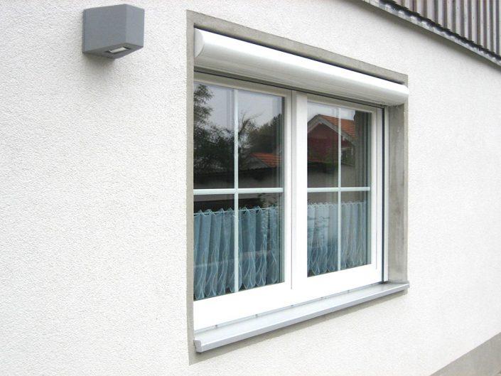 Kunststofffenster mit innenliegen Sprossen