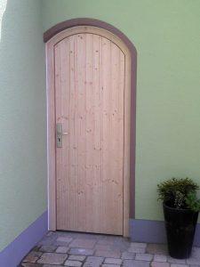 Nebeneingangstüre Holz