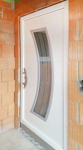 Haustür Holz mit Lichtauschnitt