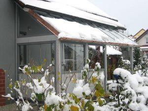 Terrassenüberdachung mit Windschutz