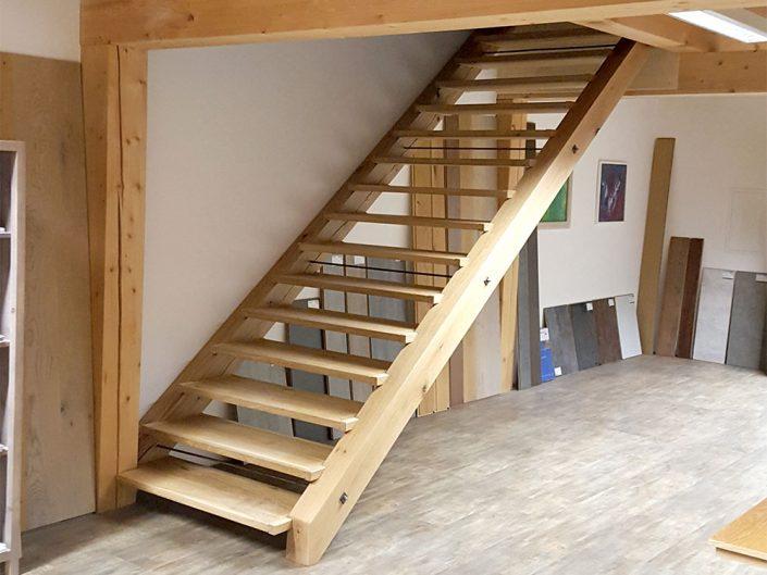 Breite, gerade Treppe